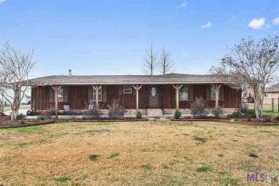Port Allen Single Family Home For Sale: 6411 Flynn Rd