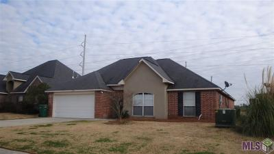 Denham Springs Single Family Home For Sale: 23856 South Point
