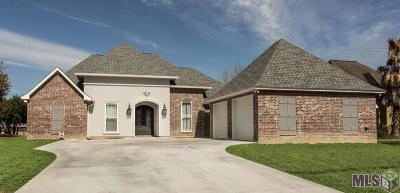St Amant Single Family Home For Sale: 11768 River Highlands