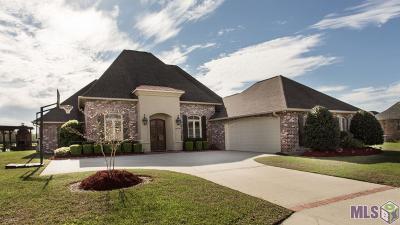 Prairieville Single Family Home For Sale: 18499 Lake Harbor Ln