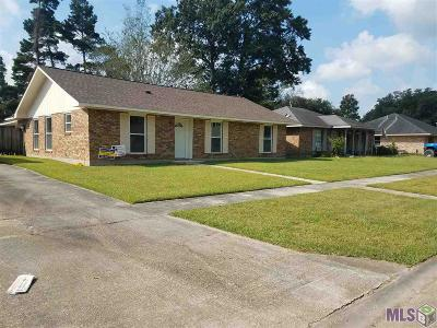 Baton Rouge Single Family Home For Sale: 16704 Abshire Ave