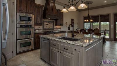 Baton Rouge Single Family Home For Sale: 13740 Quail Grove Ave