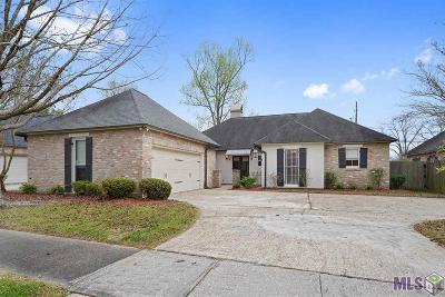 Baton Rouge Single Family Home For Sale: 8331 Oak Creek Dr
