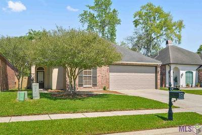 Baton Rouge Single Family Home For Sale: 15115 Garden Park Ave