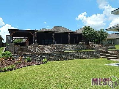 St Amant Single Family Home For Sale: 11384 River Highlands