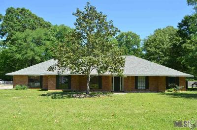 Zachary Single Family Home For Sale: 16928 Weyanoke Dr