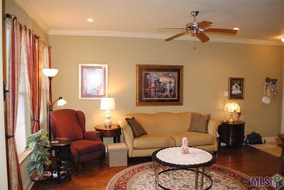 Denham Springs Condo/Townhouse For Sale: 8429 Florida Blvd #2C