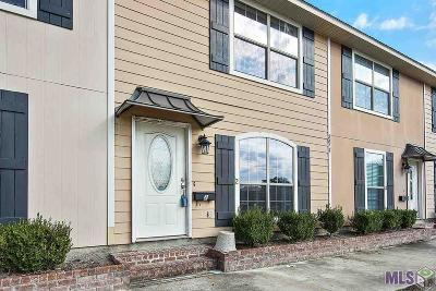 Denham Springs Condo/Townhouse For Sale: 2617 Kelli Dr #2