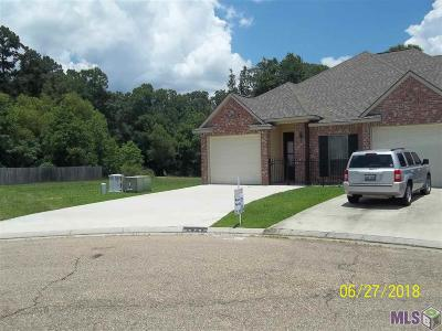 Denham Springs Condo/Townhouse For Sale: 26744 Palmetto Lake Court East