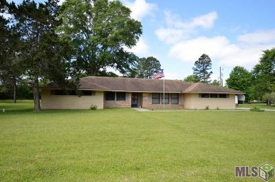 Zachary Single Family Home For Sale: 8465 Zachary-Deerford Rd
