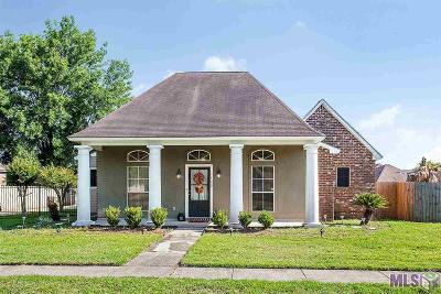 Zachary Single Family Home For Sale: 1420 Old Barnwood Ave