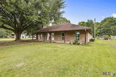 Zachary Single Family Home For Sale: 19764 Deercreek Dr