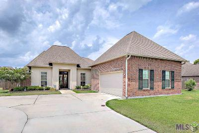 Baton Rouge Single Family Home For Sale: 20351 Puligny Dr