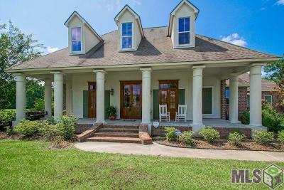 Zachary Single Family Home For Sale: 22132 Deer Haven Dr