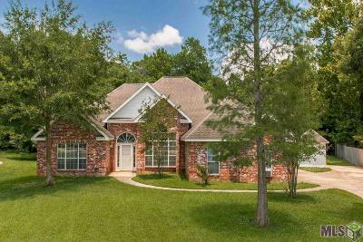 Gonzales Single Family Home For Sale: 39404 N Woodrun Cir