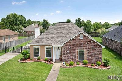 Zachary Single Family Home For Sale: 1493 Old Barnwood Ave