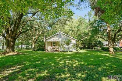 Port Allen Single Family Home For Sale: 3715 N River Rd
