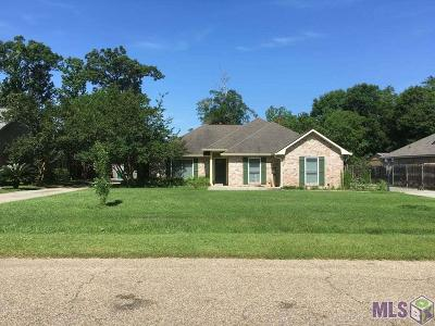 Denham Springs Single Family Home For Sale: 30569 Fairway View Dr