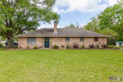 Gonzales Single Family Home Contingent: 42456 Black Bayou Rd