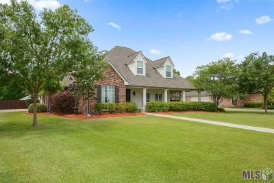 St Amant Single Family Home For Sale: 11127 Toria Ln