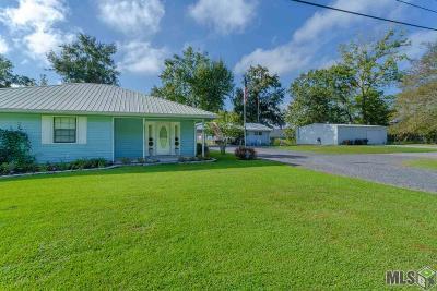Port Allen Single Family Home For Sale: 2127 Court St