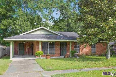 Single Family Home For Sale: 8846 Metairie Dr