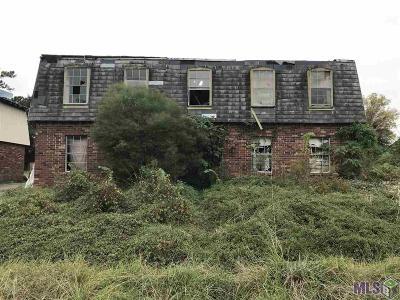 Baton Rouge Multi Family Home For Sale: 1077 Monet Dr