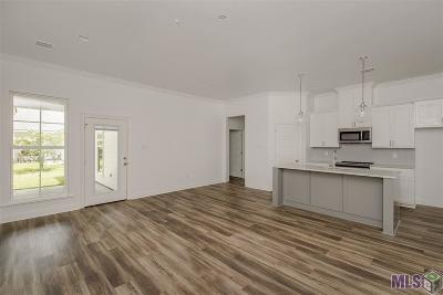 Baton Rouge Condo/Townhouse For Sale: 8142 Stonelake Circle East Ave