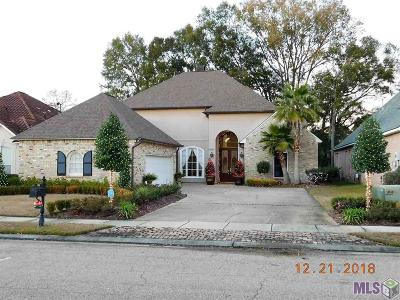 Baton Rouge Single Family Home For Sale: 11921 Foxshire Ct