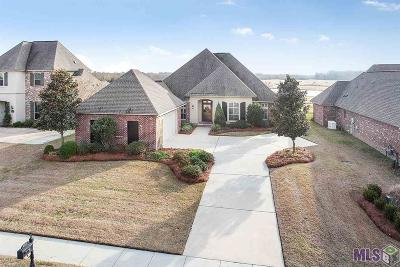 Zachary Single Family Home For Sale: 22453 Fairway View