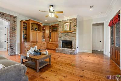 Baton Rouge Single Family Home For Sale: 16015 Parkside Ct