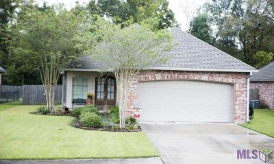Port Allen Single Family Home For Sale: 2152 Woodland Ct