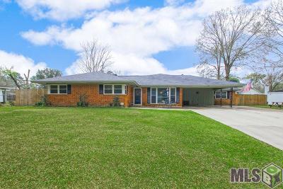 Prairieville, Baton Rouge, Geismar, Gonzales Single Family Home For Sale: 9566 E Van Pl