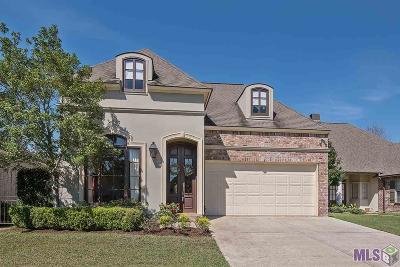 Baton Rouge Single Family Home For Sale: 10634 Shoreline Dr
