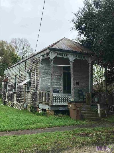 Single Family Home For Sale: 417 Charles St