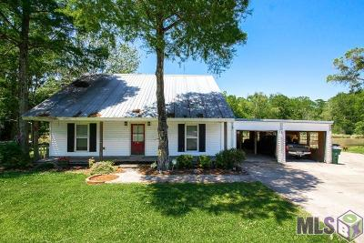 Plaquemine Single Family Home For Sale: 35930 Hwy 75