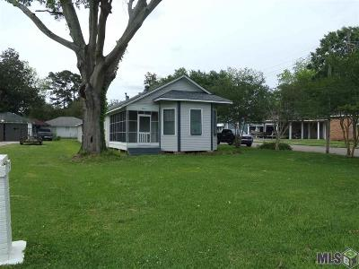 Plaquemine Single Family Home For Sale: 58110 Main St