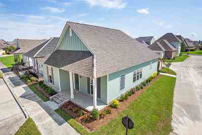 Zachary Single Family Home For Sale: 2210 Iberville Ave