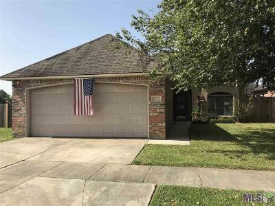 Zachary Single Family Home For Sale: 2722 Old Towne Rd