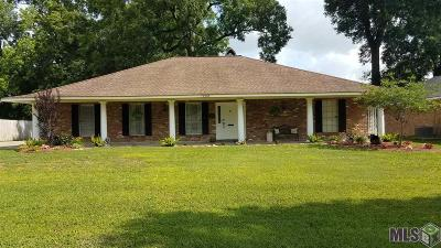 Baton Rouge Single Family Home For Sale: 12253 Goodwood Blvd