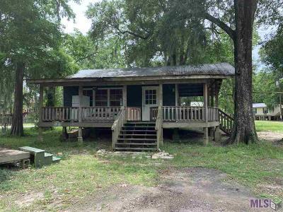 French Settlement Single Family Home For Sale: 14582 Hebert Lambert Rd
