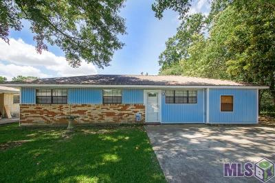 Gonzales Single Family Home For Sale: 319 E Chuck St