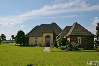 Port Allen Single Family Home For Sale: 432 Montrachet Dr