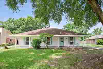 Central Single Family Home For Sale: 14019 Heritage Oaks Dr