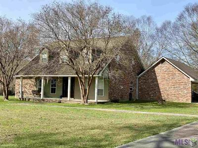 East Baton Rouge Parish Single Family Home For Sale: 609 Misty Meadow Ln