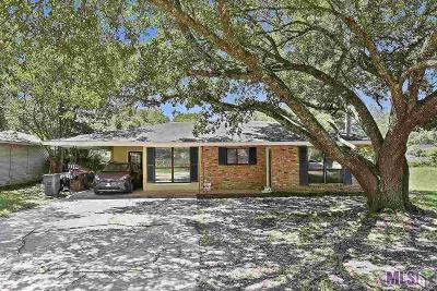 Zachary Single Family Home For Sale: 3536 Robert St