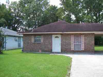 Gonzales Single Family Home For Sale: 1939 S Ringer Ave