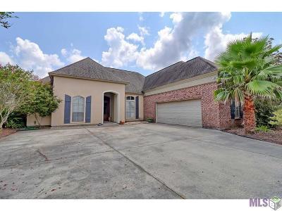 Single Family Home For Sale: 36392 Stanton Hall