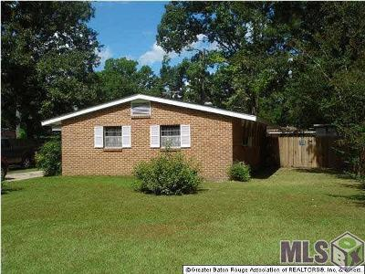 Baton Rouge Single Family Home For Sale: 11065 Red Oak Dr
