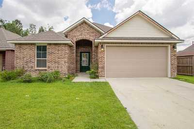 East Baton Rouge Parish Single Family Home For Sale: 587 Fall River Dr